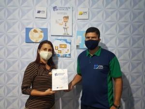 Primeiro Certificado Digital e-Saúde do SPC Brasil para Médica Estrangeira é emitido na CDL Surubim